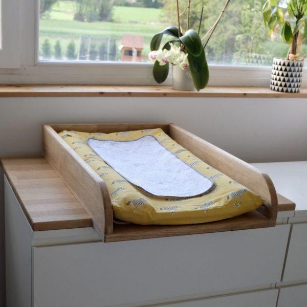Table à langer en bois escamotable